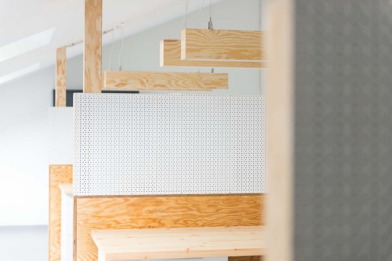 muesiemue Interiordesign, Openspace Office und Coworking Tische, Konferenztische und Lounge Bereich, Funktion und Design von handwerkplusdesign und Tonia Welter für Cleantech Innovation Center